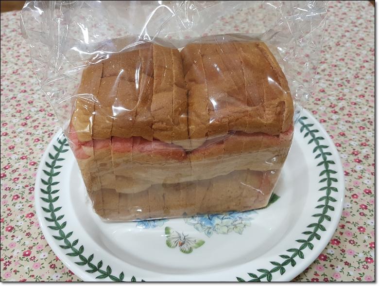 딸기마블순쌀식빵 (1).jpg