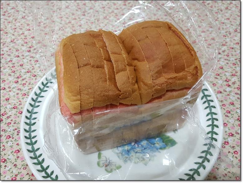 딸기마블순쌀식빵 (3).jpg